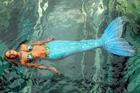 WOW so eine schöne Meerjungfrau (durch Freds rosa Brille aufgenommen)
